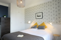 LesMeublesdeMadeleine-CHARTON-Flat-Charming-Double-bedroom-Wallpaper-detail-6